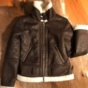 Forever21 Exclusive. Faux shearling coat. Size M